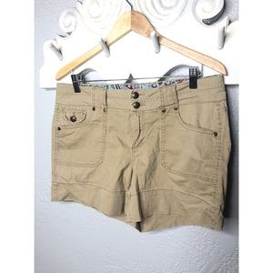 One 5 one tan khaki shorts Sz 10